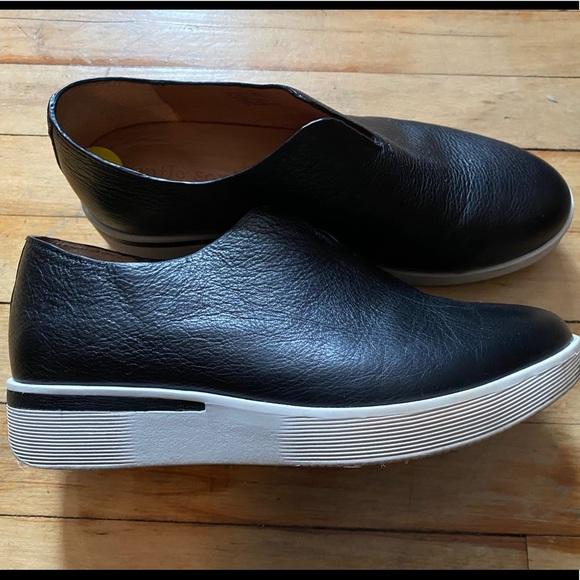 Nwot Gentle Souls Hanna Wedge Sneaker